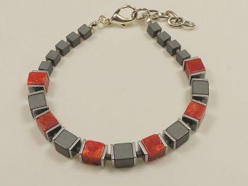 Armband mit Hämatit und Schaumkoralle