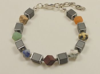 Armband mit Achatwürfeln