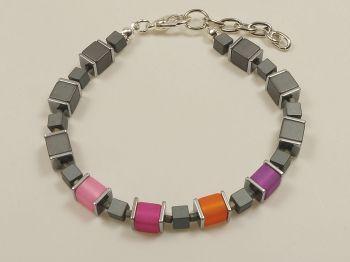 Armband in violett-bunt und grau