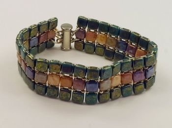 Armband in türkis und bunt