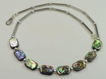 Halskette mit Paua-Muscheln