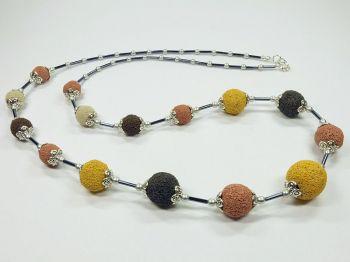 Halskette in erdfarben mit Lava