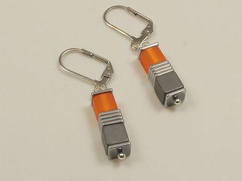 Ohrhänger mit Würfeln orange