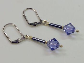 Ohrhänger in violett