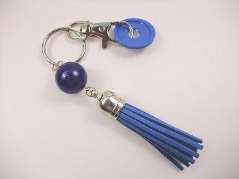 Schlüsselanhänger mit blauer Quaste